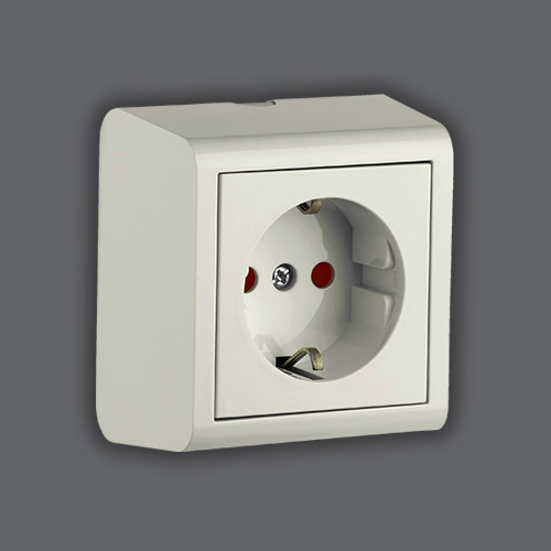 CHILDPROOF SOCKET OUTLET EARTHED - WHITE