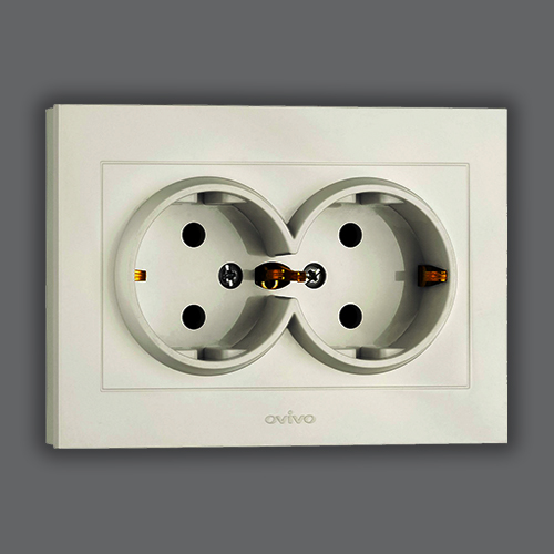 DOUBLE SOCKET OUTLET EARTHED - WHITE